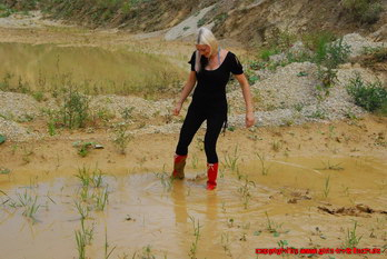 Stella in red Romika rubber boots from the 80s
